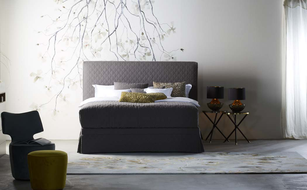 schramm bedden traditioneel ambachtelijk meesterschap slapen in weelde. Black Bedroom Furniture Sets. Home Design Ideas